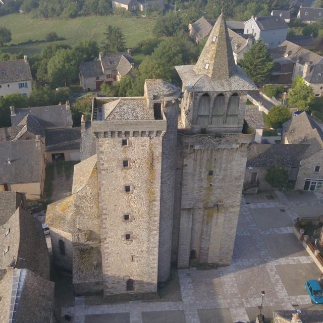 Eglise au coeur du village de Sainte-Radegonde